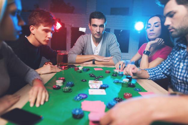 การใช้ Poker Bot ufabet คือการโกงหรือไม่